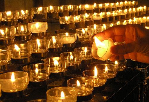 Kerze Anzünden Kirche