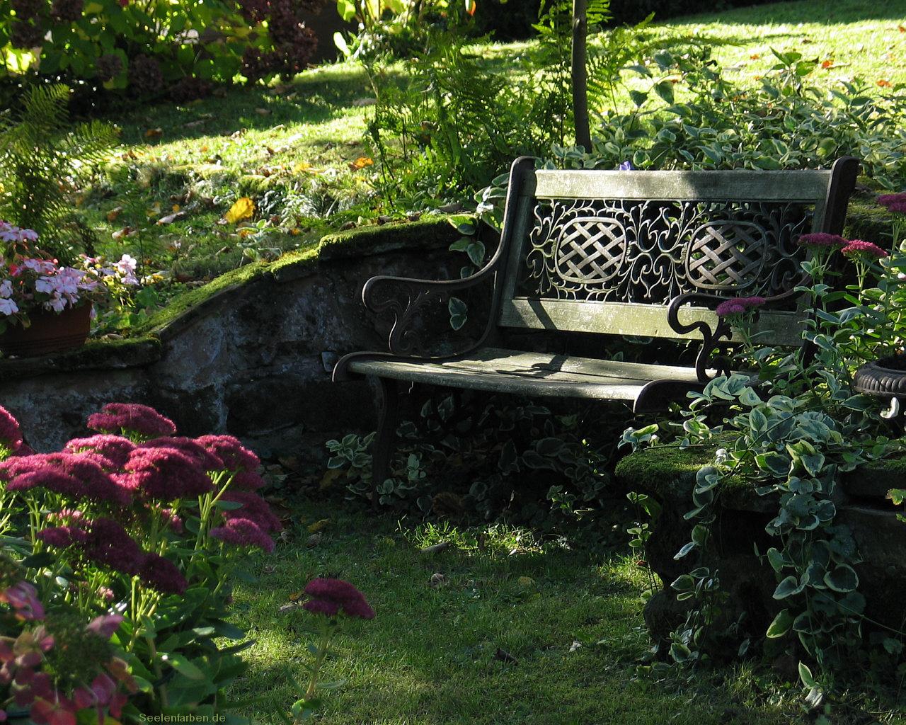 Herbst Dekoration Romantik Gartenbank Zierde Blumen